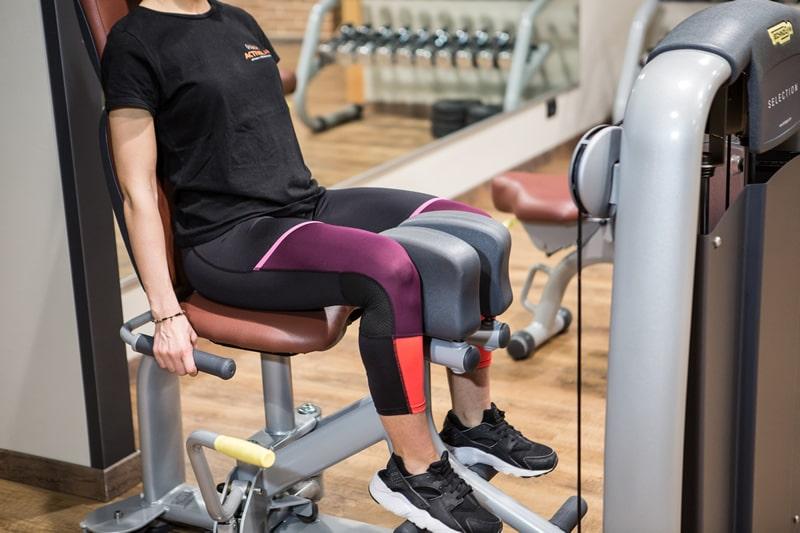 esercizio con macchinario adductor - perdita di peso